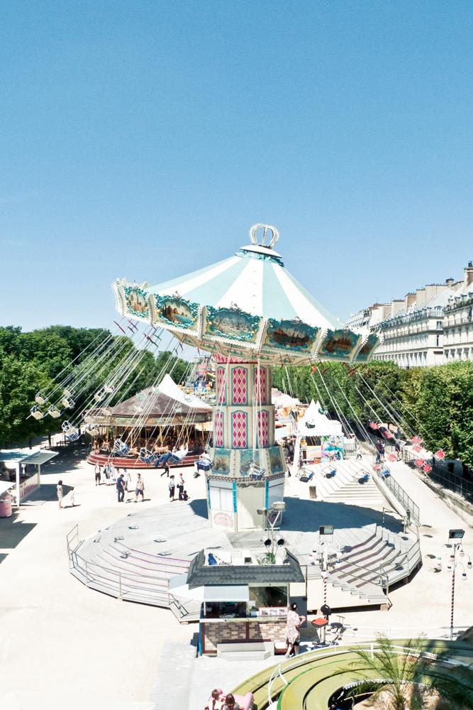 Chaises volantes et autres plaisirs cachemire soie - Jardin des tuileries fete foraine ...