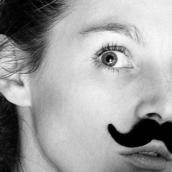 la-moustache-11