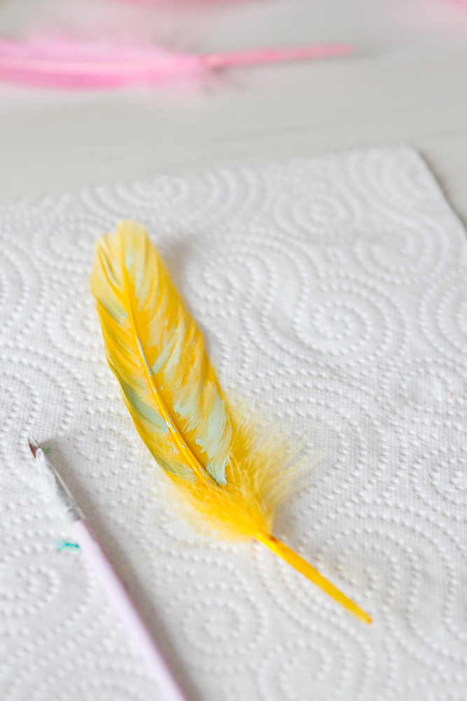 DIY-painted-feather-001c