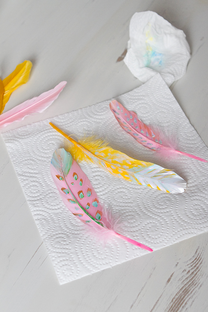 DIY-painted-feather-002c