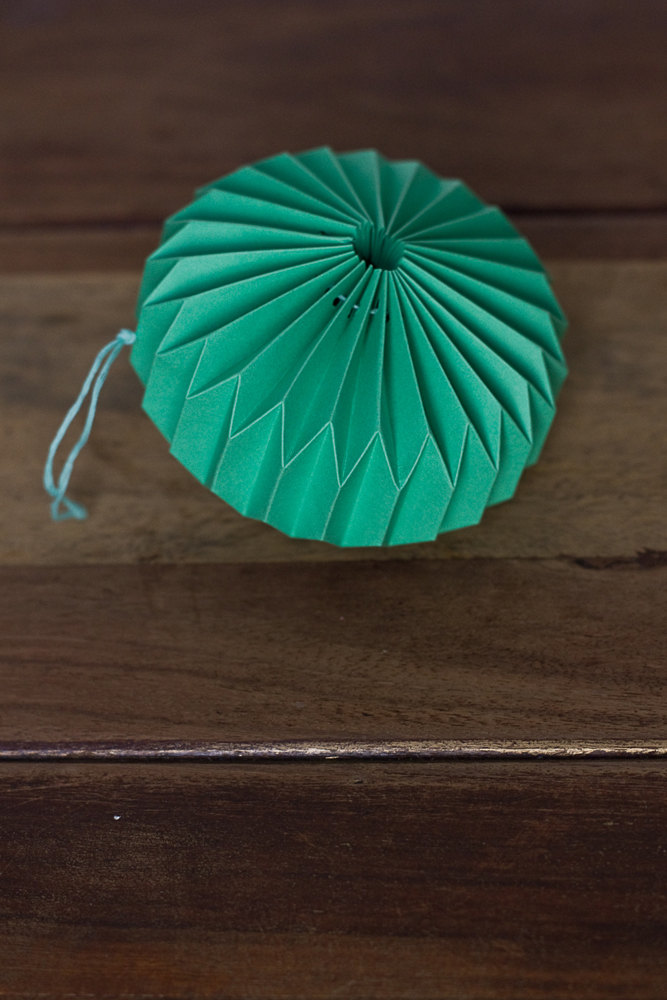 DIY-paper-origami-ball-012